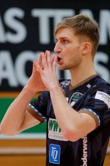 Konzentrationsuebung Artem SUSHKO 3 HER Volleyball WWK Volleys Herrsching HER Volleyba; artem sushko