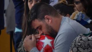 Spanien - Julens Vater trauert bei der Beerdigung