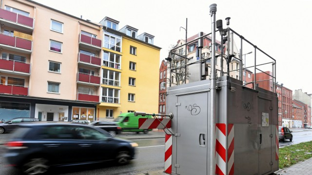 Feinstaub und Stickstoffoxide - Messgerät zur lufthygienischen Überwachung in Hannover
