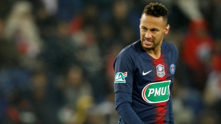 FILE PHOTO: Paris St Germain's Neymar at Parc des Princes, Paris, France - January 23, 2019