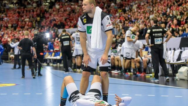 Handball-WM 2019 - Paul Drux und Fabian Wiede nach dem Spiel um Platz 3 gegen Frankreich