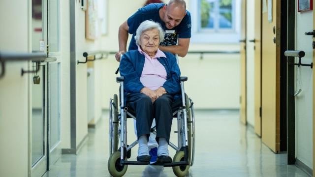 Altenpfleger Ferdi Cebi