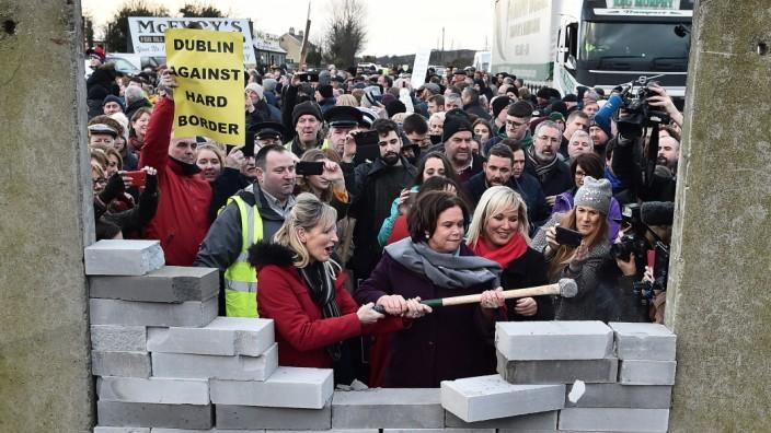 Brexit - Demonstration an der irischen Grenze
