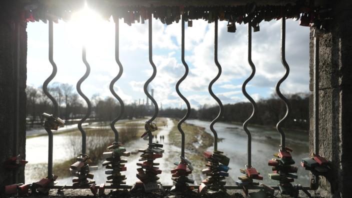 Wittelbacherbrücke gerade