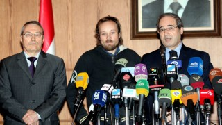 Syria hands over a German reporter to Russian ambassador