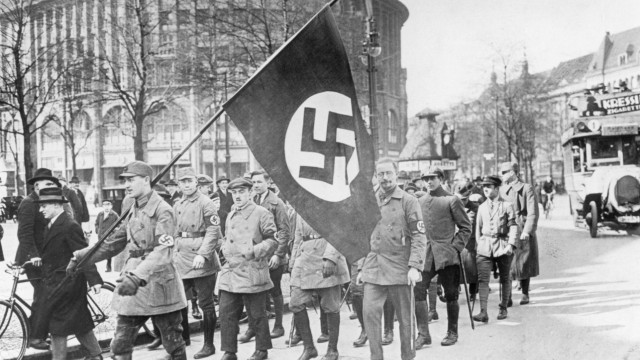 Nationalsozialisten marschieren in Berlin, 1925