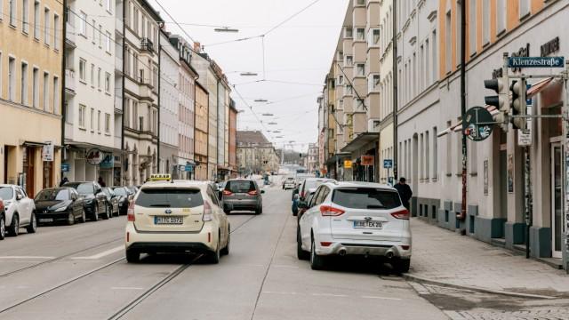 Blick auf die Fraunhoferstraße / Ecke Klenzestraße am 30.01.2019 in München.