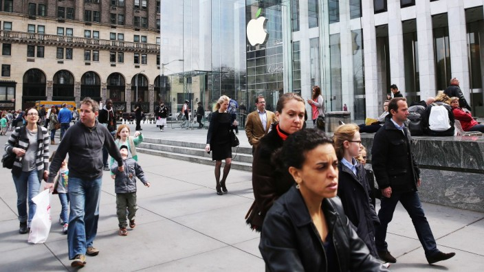 Apple Stores Mark Earth Day, Day After Announcing New Green Initiative