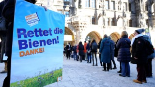 Umwelt und Naturschutz in Bayern Volksbegehren zum Artenschutz