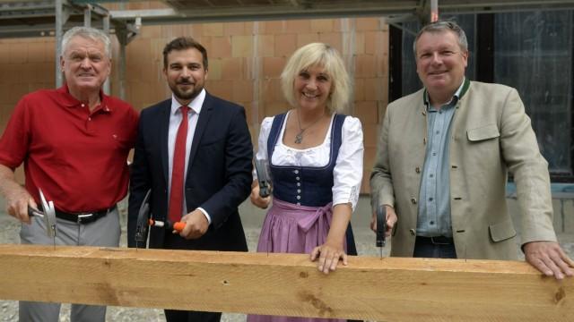 Karlsfeld Andrang in der Gemeinderatssitzung