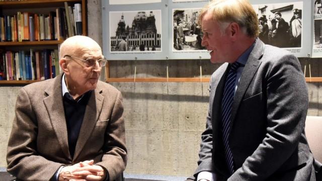 Dachau Martin Niemöllers Sohn im Gespräch