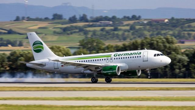 DEU Deutschland Stuttgart 31 07 2018 Flugzeug am Flughafen Stuttgart STR EDDS Registrierun