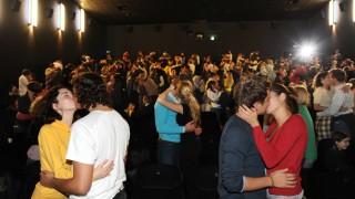 Weltrekordversuch im Küssen in Münchner Kino, 2009