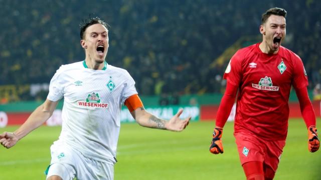 DFB-Pokal 2019 - Max Kruse und Jiri Pavlenka bejubeln den Pokalsieg gegen Borussia Dortmund