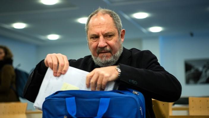 Ex-Leiter der Musikhochschule München verklagt Freistaat