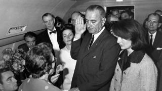 Lyndon B. Johnson, Jacqueline Kennedy, Malcolm Kilduff, Jack Valenti, Albert Thomas, Lady Bird Johnson, Jack Brooks