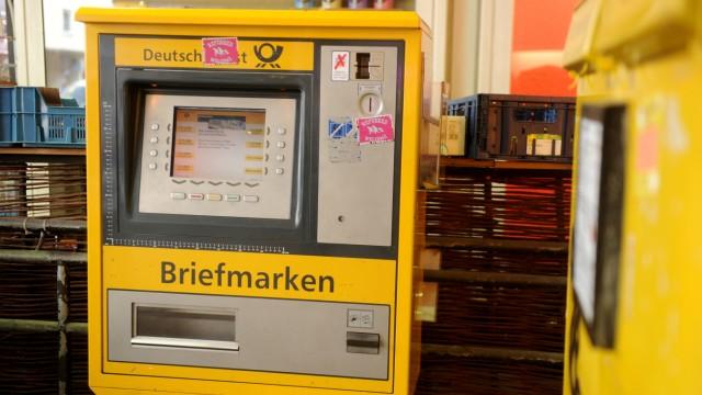 Briefmarken-Automat der Deutschen Post