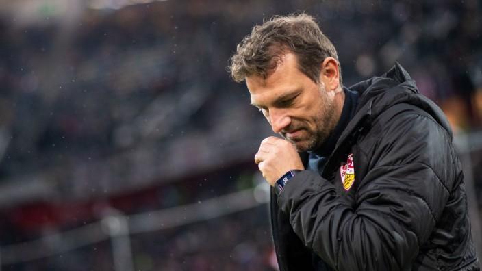 Markus Weinzierl, Trainer des VfB Stuttgart beim Bundesliga-Spiel in Düsseldorf