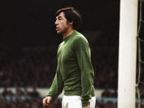 FILE: England's 1966 World Cup-Winning Goalkeeper Gordon Banks Dies At 81