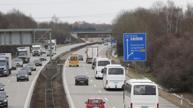 Freising Neue Behinderungen für Autofahrer