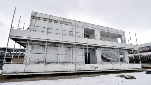 Dießen: ASG Renovierung: deutliche Fasadenmängel sind sichtbar
