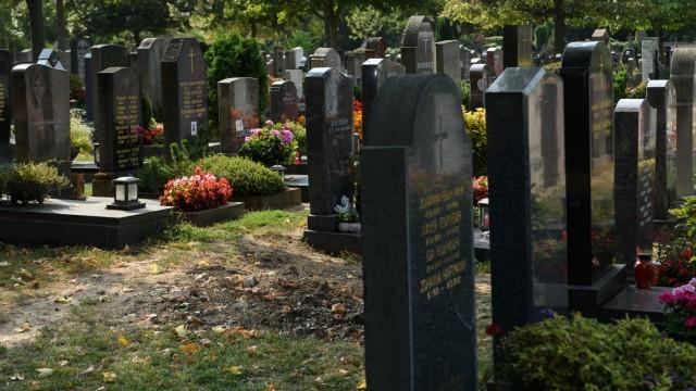 Verschwundenes Grab am Hauptfriedhof