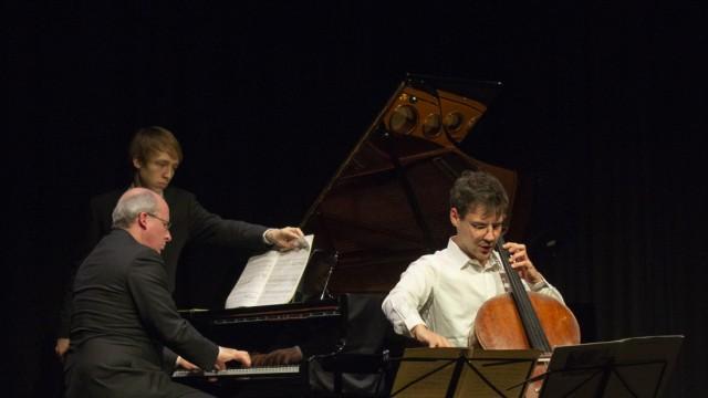 Konzert von Victor Julien-Laferriere (Cello) und Oliver Triendl (Klavier)
