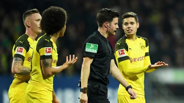 Bundesliga - 1. FC Nurnberg v Borussia Dortmund