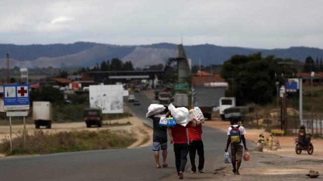 Venezuelaner auf dem Rückweg aus Brasilien