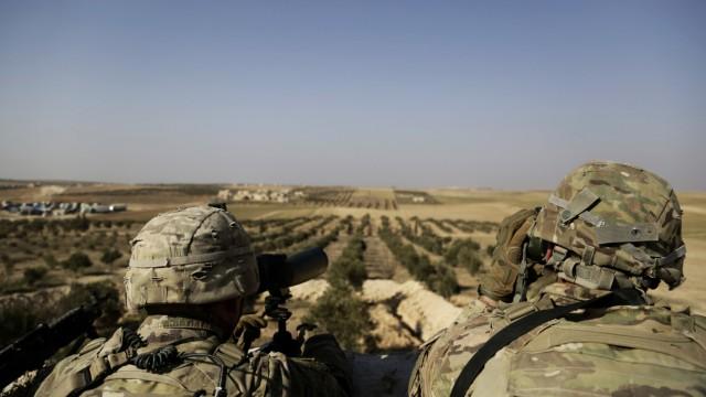 Syrien - Zwei US-Soldaten an der türkischen Grenze