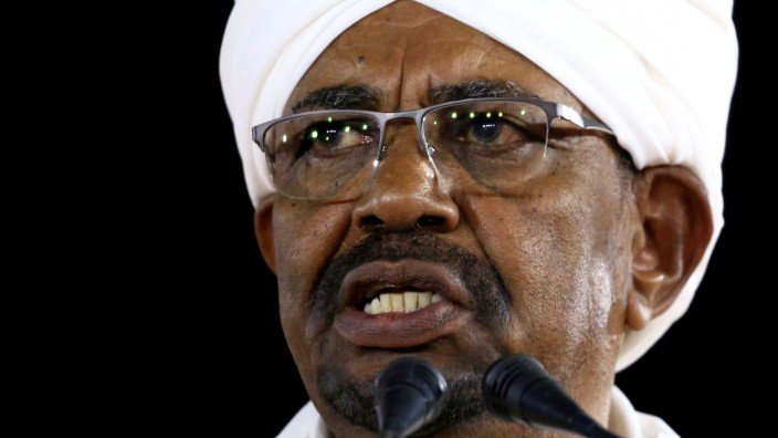 Sudan's President Omar al-Bashir delivers a speech at the Presidential Palace in Khartoum