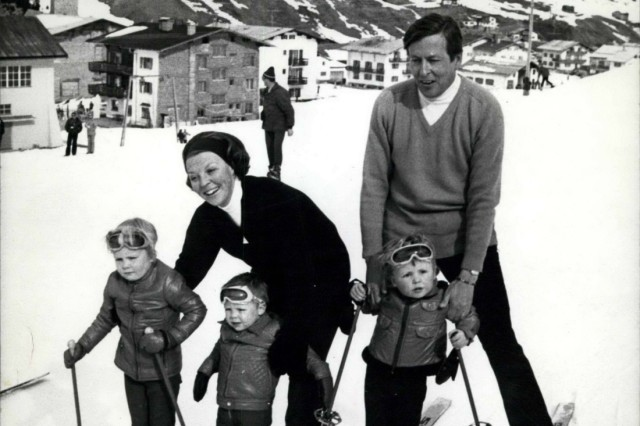 Mar 06 1972 Dutch Queen and Prince Claus Died oct 6 2002 with their three sons are on holiday at