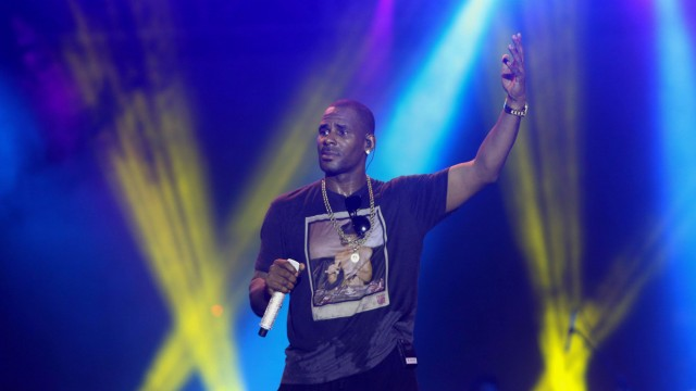 FILE PHOTO: Singer R. Kelly performs during the Red Light Concert series at the Hasely Crawford Stadium in Port-of-Spain