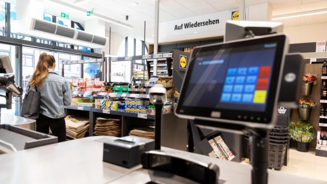Eröffnung des neuen Lidl-Supermarktes in der Zweibrückenstraße am 26.02.2019 in München.