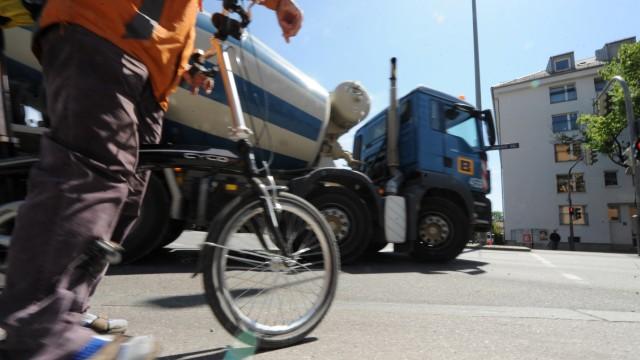 Gefährliche Straßenkreuzung für Radfahrer in München, 2018