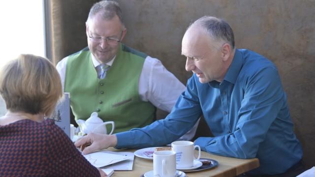 SZ-Lesercafé Diskussionen beim SZ-Lesercafé