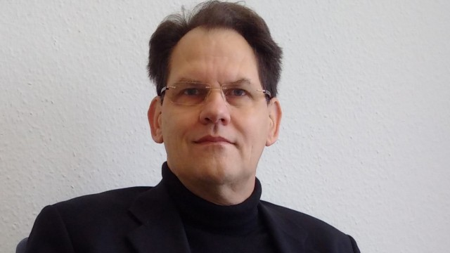 Dr. Christian Kühne, Forum Geschäftsführer des Thinktank Industrielle Ressourcenstrategien und stellvertretender Leiter des Referats Umwelttechnik, Forschung, Ökologie, Ministerium für Umwelt, Klima und Energiewirtschaft Baden-Württemberg