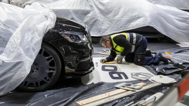 Vorbereitung auf den Internationalen Automobil-Salon Genf