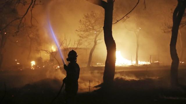 Waldbrände bei Athen