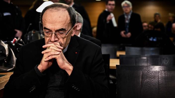 Frankreich - Erzbischof von Lyon, Kardinal Philippe Barbarin, vor Gericht