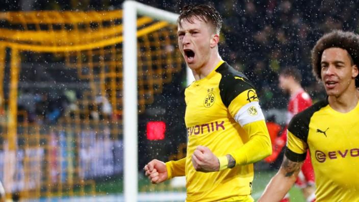 Bundesliga - Borussia Dortmund v VfB Stuttgart