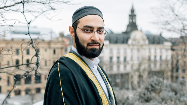 Der Imam Achmad Popal am 19.02.2019 im Kaufhaus Oberpollinger in der Neuhauser Straße.