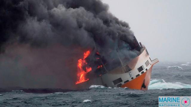 """Frankreich - Im Golf von Biskaya verunglückt 2019 das Containerschiff """"Grande America"""""""