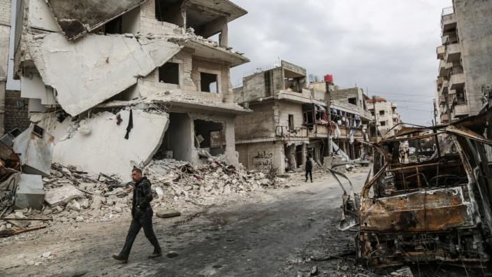 Nach den Luftangriffen in Idlib