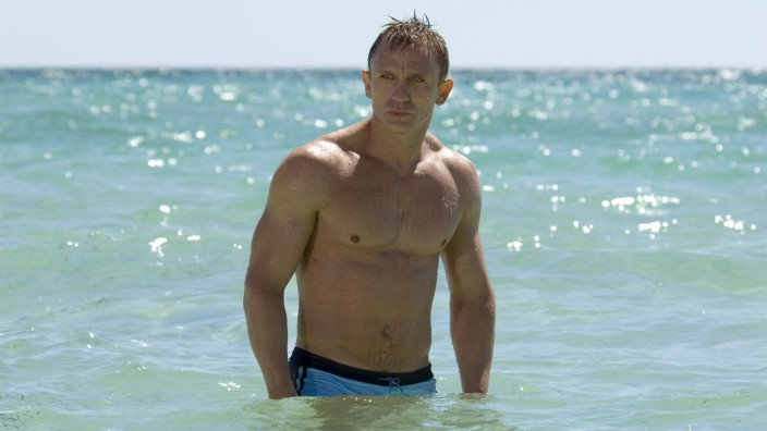 RELEASE DATE November 17 2006 MOVIE TITLE Casino Royale STUDIO Columbia Pictures PLOT In his