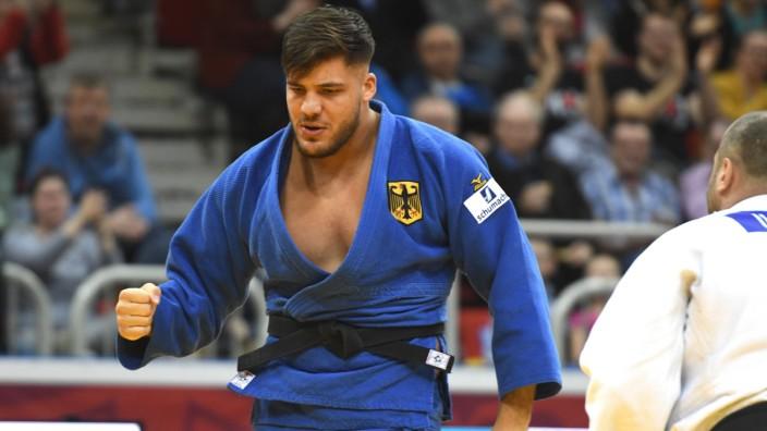 Judo Düsseldorf Grand Slam 24 02 2019 Männer 100 KG + Johannes Frey GER in blau besiegt den V
