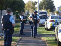 Police Guard Auckland Mosques Following Christchurch Attacks