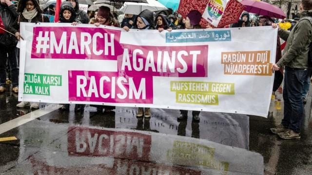 Demo 'Gemeinsam gegen Rassismus und Faschismus'