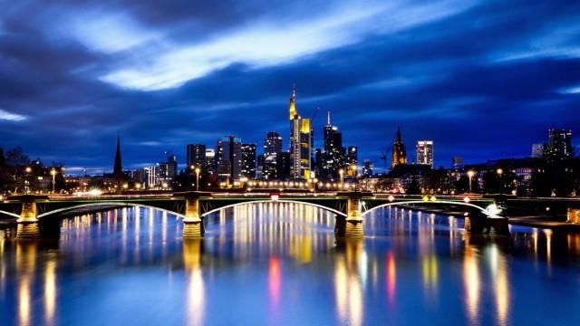 Süddeutsche Zeitung Wirtschaft Aufruhr im Bankenviertel