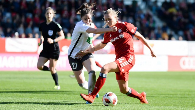 v li Sarah Zadrazil Potsdam 27 Fridolina Rolfö Rolfoe FC Bayern München FCB 14 im Zweikamp